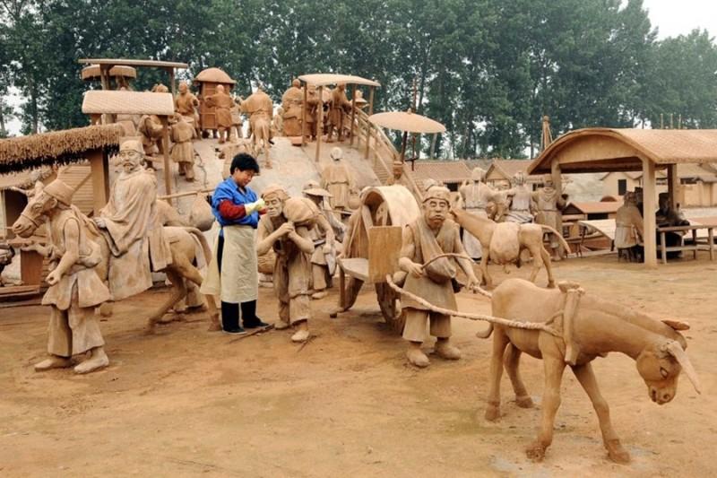 Парк глиняных скульптур в Китае