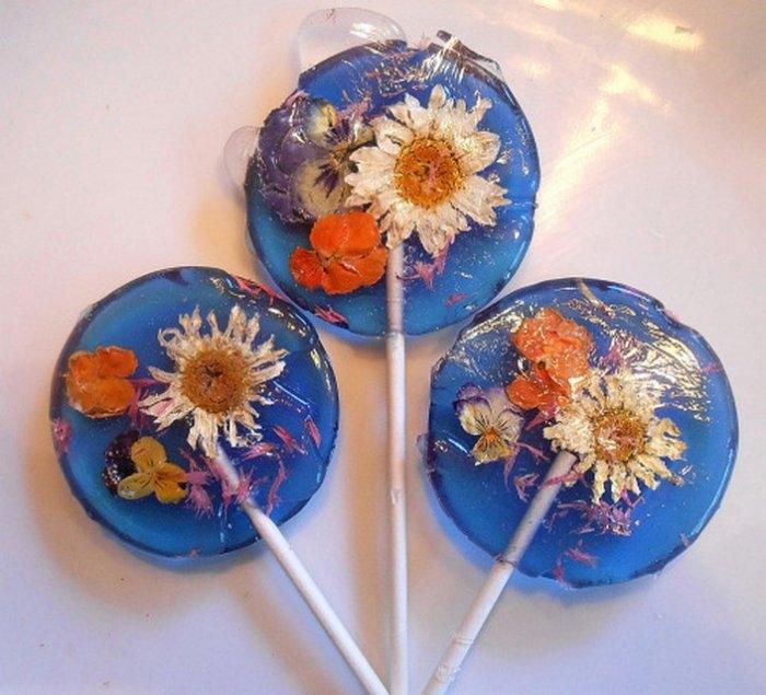 Съедобные лепестки цветов в леденцах 1