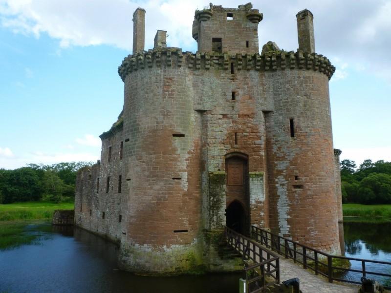 получится сразу фотографии древних рыцарских замков в горах этот праздничный