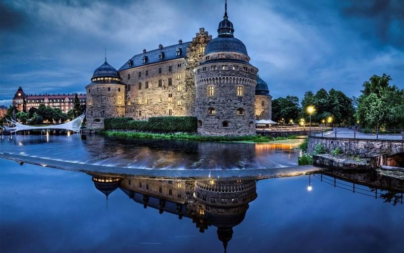 Эребру, Швеция. Первый замок