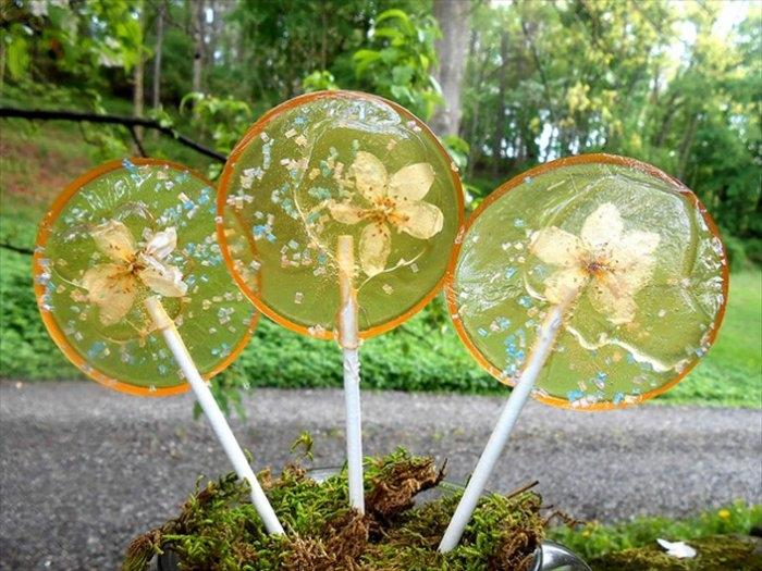 Съедобные лепестки цветов в леденцах 2