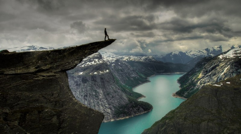 Скала Троллтунга в Норвегии