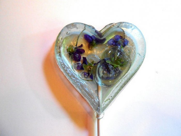 Съедобные лепестки цветов в леденцах 4