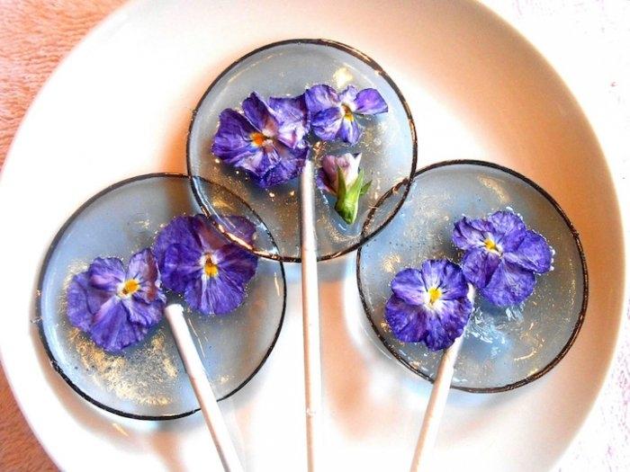 Съедобные лепестки цветов в леденцах 9